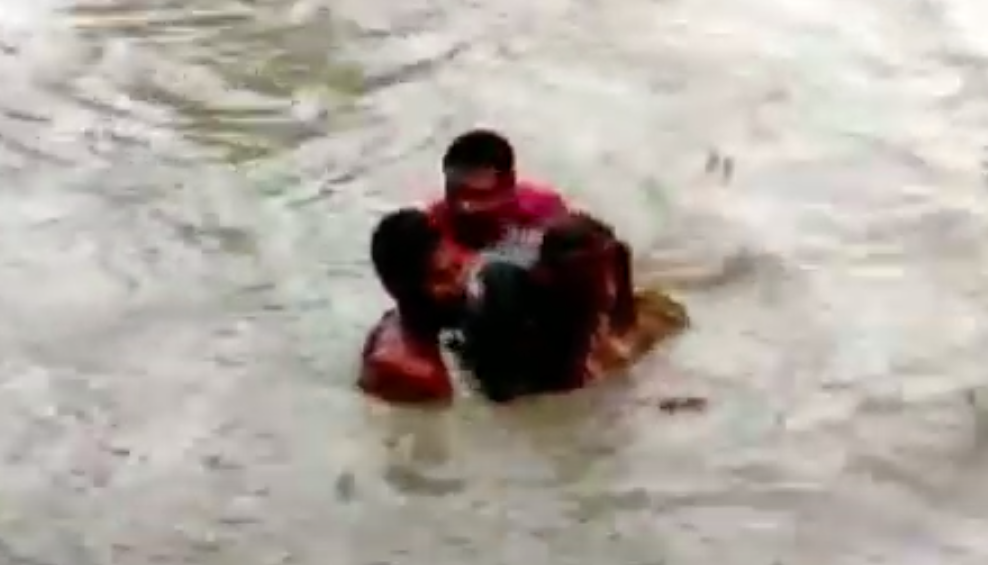 Youth saves a man from drowning